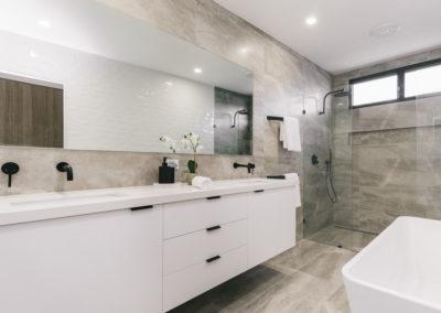 dana-gallery-bathroom-2
