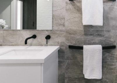 dana-gallery-bathroom-3
